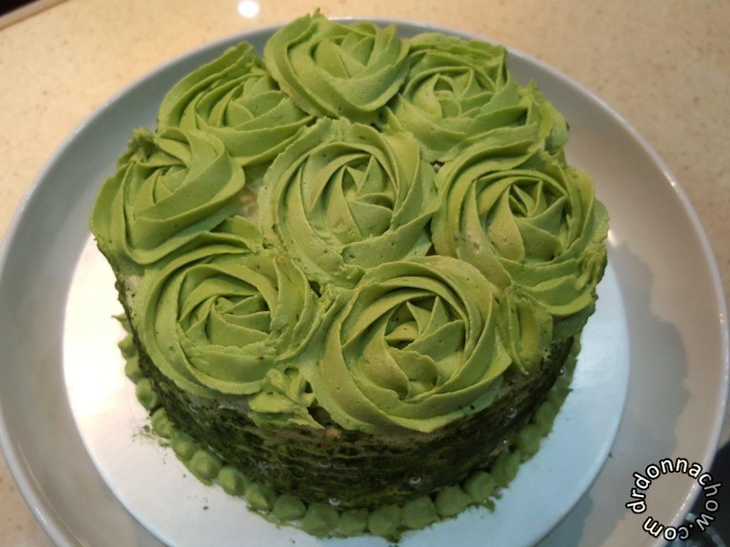Green tea rosette sponge cake