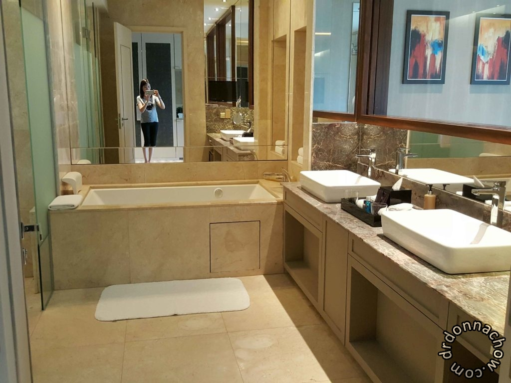 Bathroom at Hotel Equarius