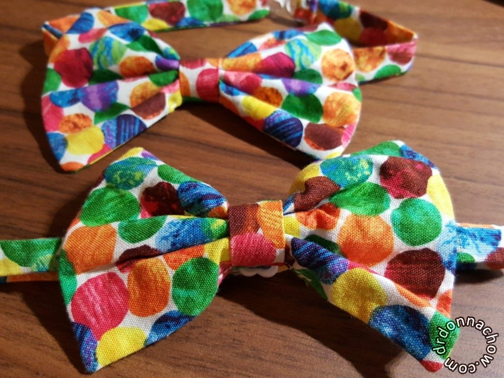 A set of completed bow ties
