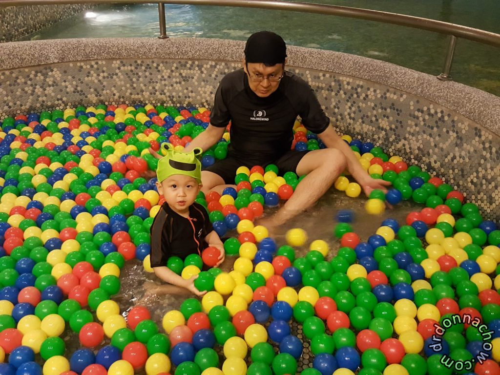 Children's ball pool at Fleur de Chine